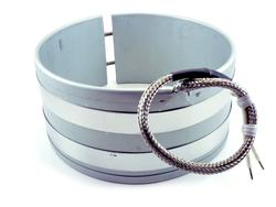 Band heater with B2 stainless steel braid leads